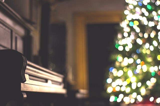 Cloud Cover Music's holiday music playlists stream across thousands of business spaces in the US & Canada.